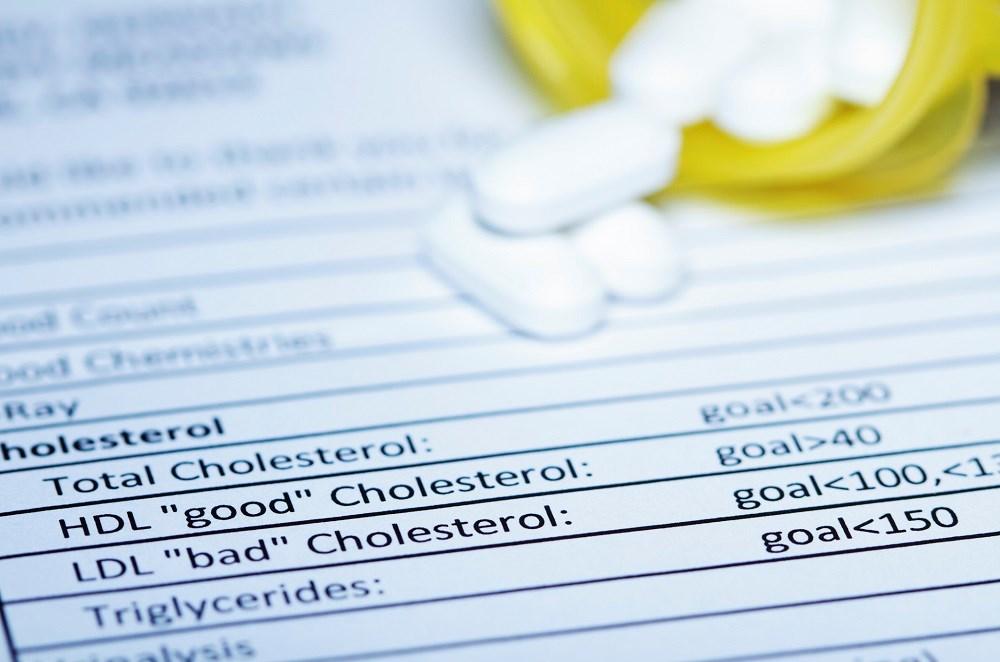 Pitavastatin Lowers Cholesterol More Effectively Than Pravastatin in HIV