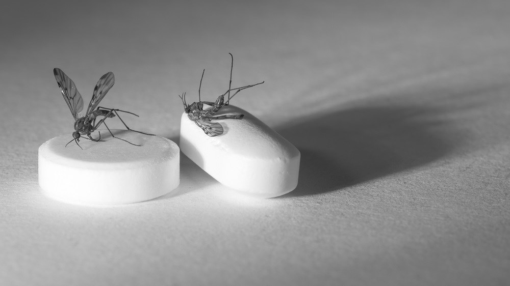 In 2015, the WHO Malaria Policy Advisory Committee recommended for the first time using mass drug administration regardless of infection status.
