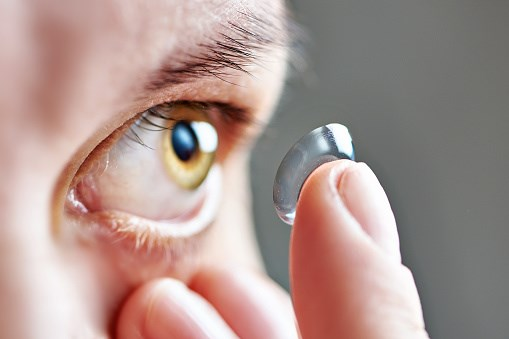 The report called attention to unsanitary contact lens practices.