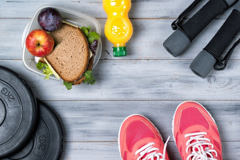 16-weeks of diet and moderate exercise were safe and reduced body weight and portal pressure in patients with cirrhosis.
