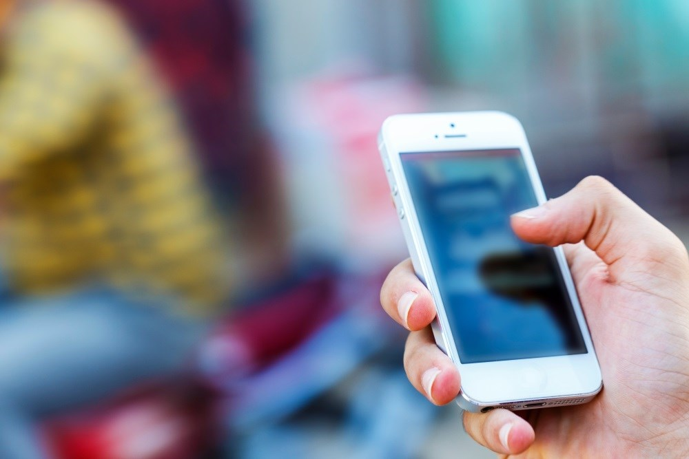 A smartphone app designed for people living with HIV increases users' consistency in doctor visits and improves their health outcomes.